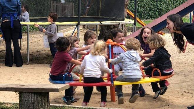 Casa Poppins oferece espaço de brincar e contato com a natureza
