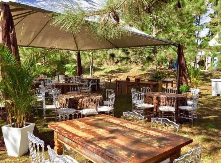 O Espaço externo do Restaurante Girassol, em Palmeira, já está sendo preparado para a Festa Polaca do fim de semana.