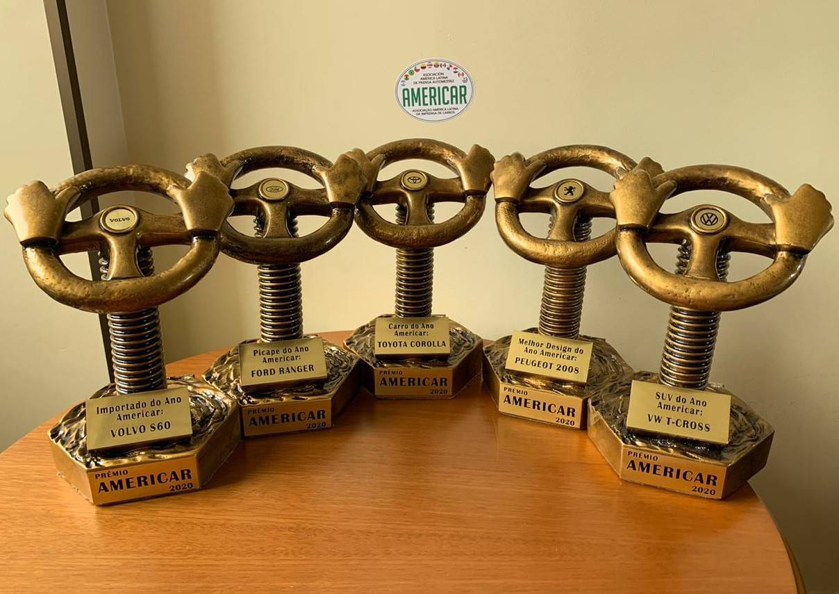 Troféus personalizados para cada vencedor feito pelo artista plástico goiano Omar Souto. Foto: Divulgação/ Americar