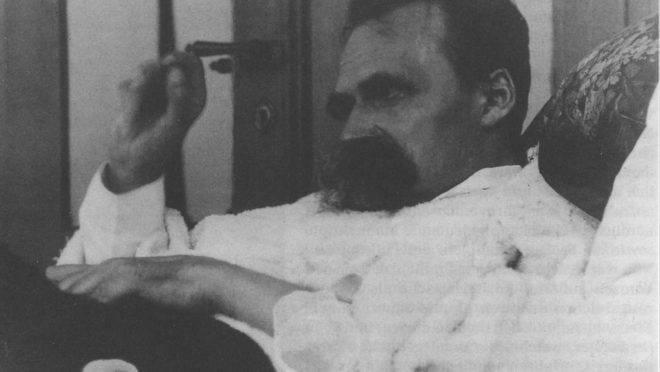 O filósofo Friedrich Nietzsche, em 1899.