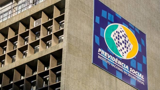 Sede da Previdência Social em Curitiba