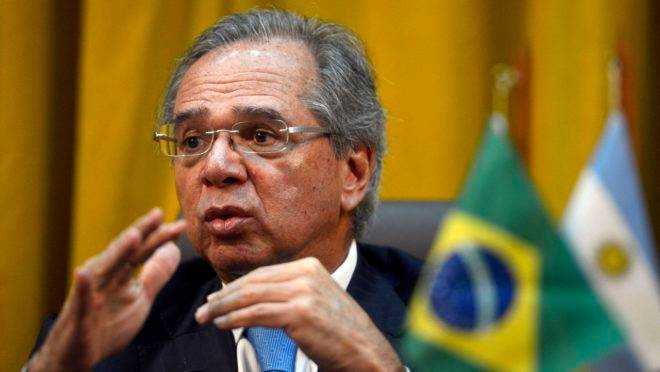 Paulo Guedes acerta em cheio ao direcionar os investimentos do BNDES para limpar a água e coletar o esgoto dos brasileiros.