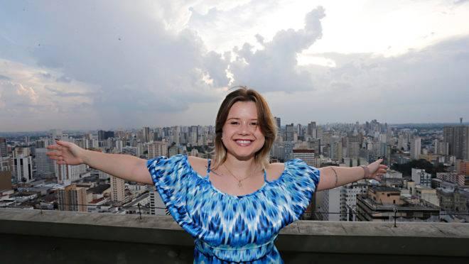 """Nayana Rogal, gerente de Cultura Corporativa do EBANX, o primeiro """"unicórnio"""" do Sul."""