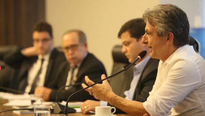 Deputado estadual Tadeu Veneri (PT), durante reunião da CCJ nesta segunda-feira (4)