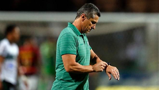 Técnico Jorginho fez apelo à CBF por calendário do Coritiba na reta final da Série B