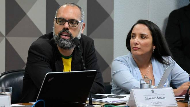 Allan dos Santos é acusado de disseminar fake news na internet por meio do site Terça Livre.