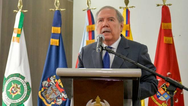 Ministro da Defesa da Colômbia, Guillermo Botero, renunciou