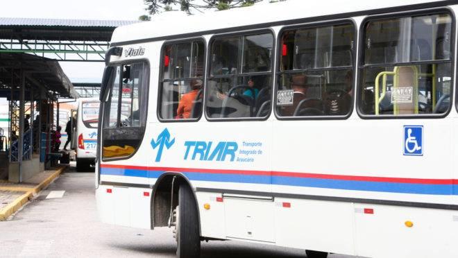 Reduções do preço da passagem têm aumentado o número de passageiros em Araucária.