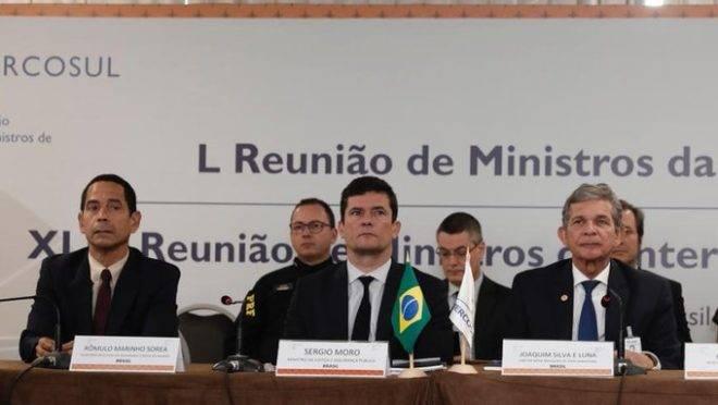 Sergio Moro participa de reunião com ministros da Justiça de países do Mercosul, em Foz do Iguaçu.