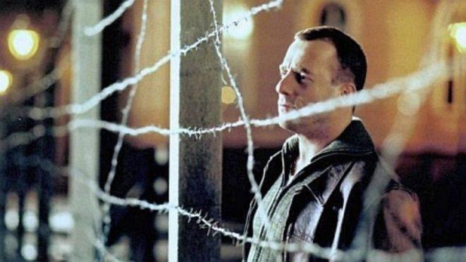 """""""O Túnel"""", assim como """"A Vida dos Outros"""" e """"Adeus, Lênin!"""", é uma das melhores produções alemãs recentes a retratar a tragédia do Muro de Berlim."""