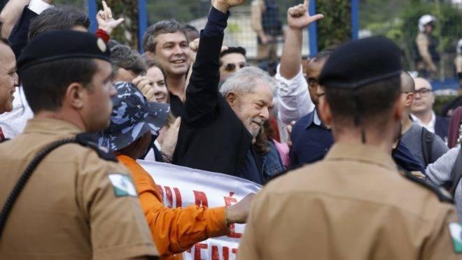 Lula solto