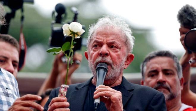 Lula discursou para militantes no Sindicato dos Metalúrgicos de São Bernardo: tom de campanha eleitoral.