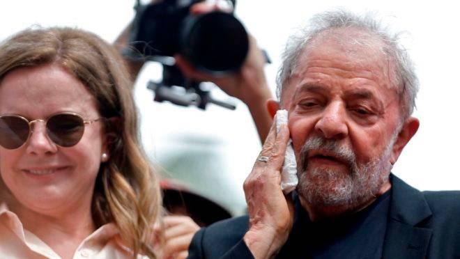 Gleisi Hoffmann e Lula durante ato neste sábado no Sindicato dos Metalúrgicos: Lava Jato tem sofrido sucessivas derrotas no STF.