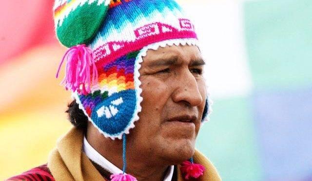 Evo Morales: pressão internacional, manifestações e motim da polícia.