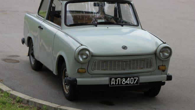 Foram muitos os carros ruins produzidos ao longo do século XX. Mas o Trabant, símbolo do comunismo na Alemanha Oriental, é o pior de todos.