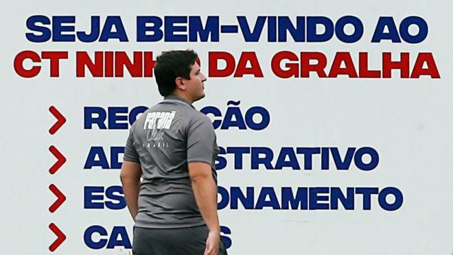 Matheus Costa promete Paraná ofensivo contra o lanterna São Bento