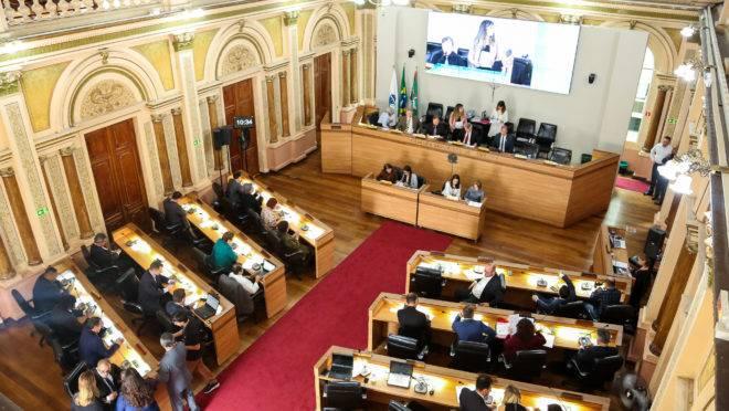 Sessão plenária na Câmara Municipal de Curitiba
