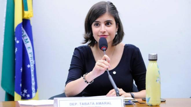 A deputada Tabata Amaral é do PDT e votou a favor da reforma da previdência