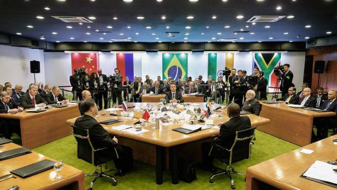 Bolsonaro comanda sessão plenária da 11ª Cúpula de Líderes do Brics: parceiros pedem que a ONU preste mais atenção ao Brasil como ator político importante.