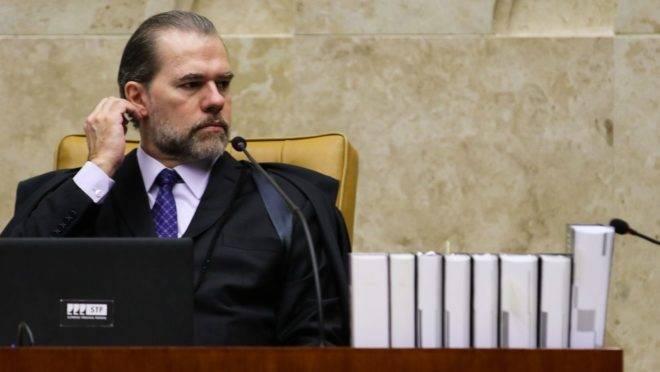 Presidente do STF, Dias Torroli, teve acesso a dados sigilosos de 600 mil pessoas.