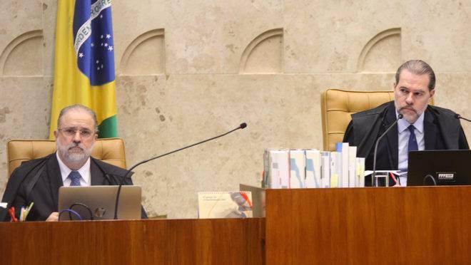 Augusto Aras e Dias Toffoli em sessão do STF