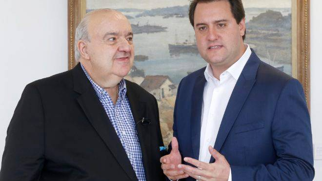 Governador do Paraná,  Ratinho Junior (PSD) e prefeito de Curitiba, Rafael Greca (DEM).