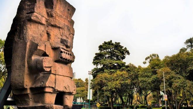 Estátua do deus da chuva asteca, Tlaloc