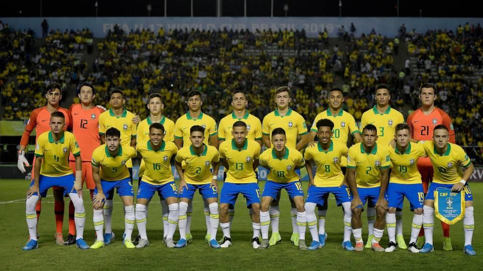 Com promessas de Athletico e Coritiba, seleção conquista Copa do Mundo Sub-17