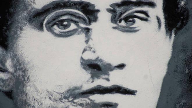 Gramsci não foi um moderado. Ele foi um marxista revolucionário que defendia meios diferentes para atingir um fim semelhante ao dos comunistas soviéticos.