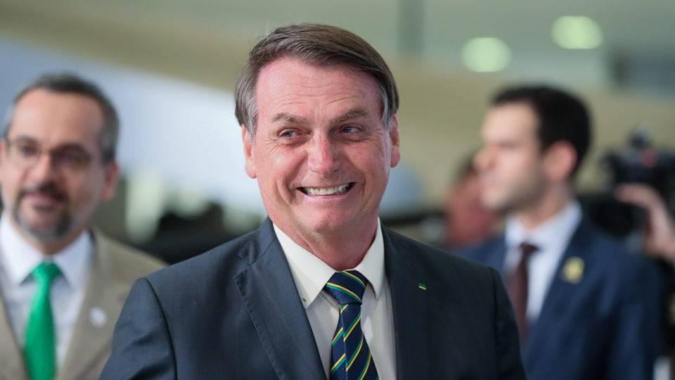 Bolsonaro diz que vai sancionar reforma dos militares nos próximos dias