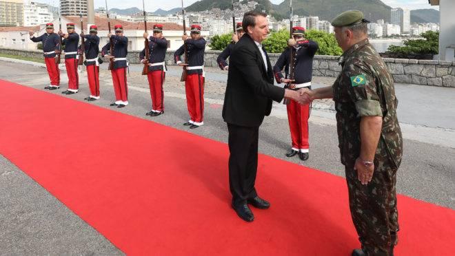 Cerimônia de celebração do 74° aniversário de criação da Brigada de Infantaria Paraquedista, realizada neste sábado (23).