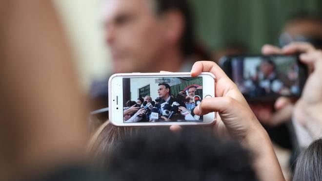 Presidente Jair Bolsonaro pediu ao Conselho Gestor do Simples Nacional que reconsidere a decisão de excluir as 17 ocupações do MEI.