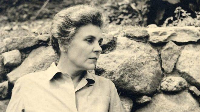 Elizabeth Bishop (Vassar College LIibrary Archives)