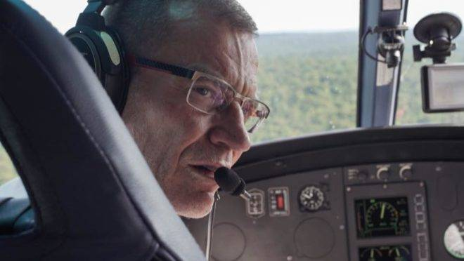Senador Fabiano Contarato (Rede-ES) sobrevoa Parque Nacional do Iguaçu.