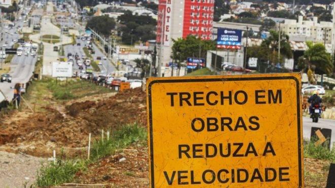 Obras do lote 4.1 da Linha Verde pararam em julho, após a prefeitura romper contrato com empreiteira.