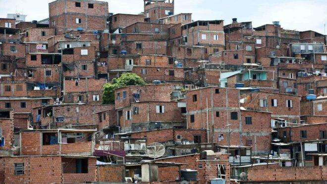 Governo americano recomenda que turistas não visitem favelas no Brasil