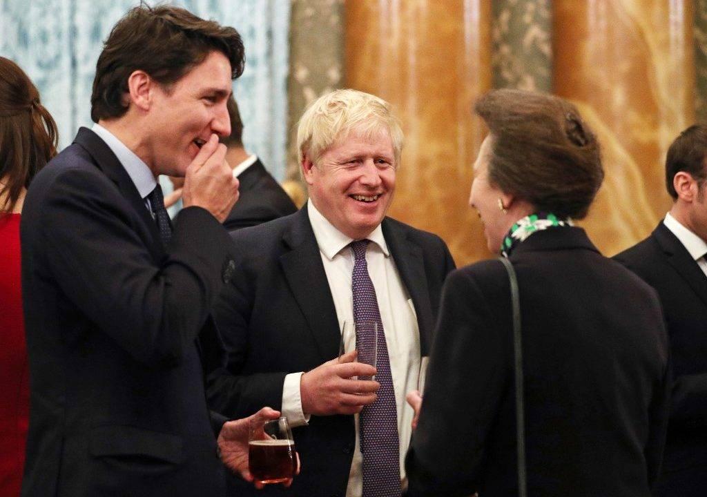 O primeiro-ministro canadense Justin Trudeau, o primeiro-ministro britânico Boris Johnson e a princesa britânica Anne em recepção no Palácio de Buckingham, Londres, 3 de dezembro