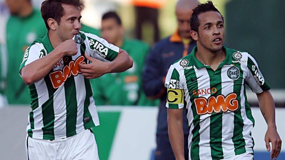Após episódio, torcida abraçou o Coritiba, clube se reergueu e time foi destaque nacional