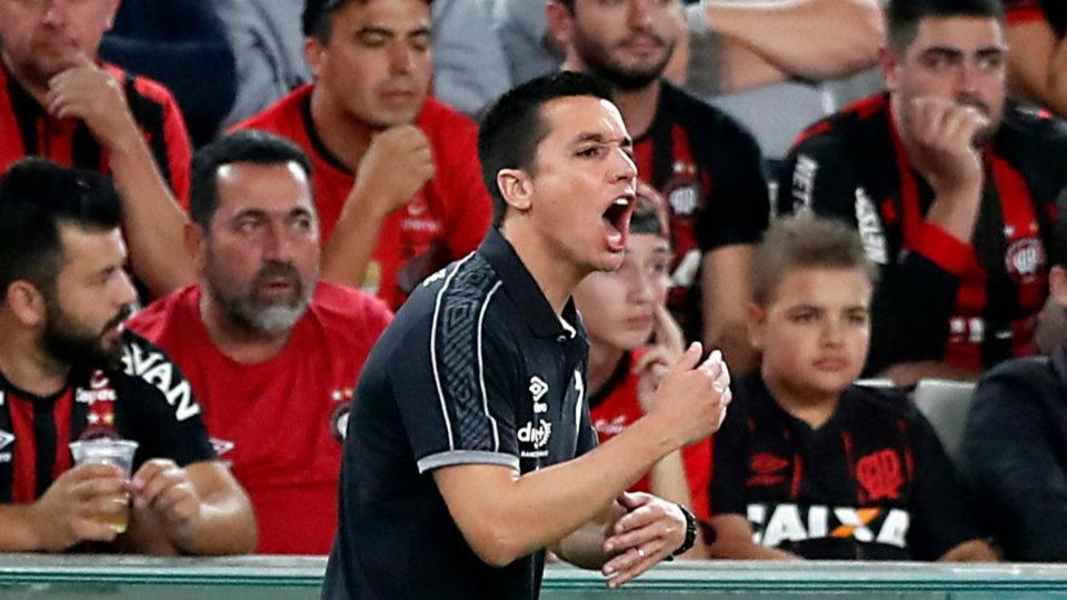 Athletico visita Avaí com melhor pontuação como visitante desde 2006; veja provável time