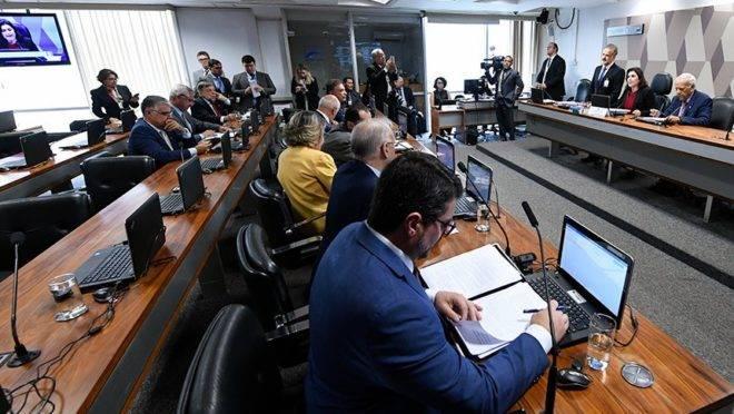 CCJ do Senado aprova pacote anticrime e prisão em segunda instância