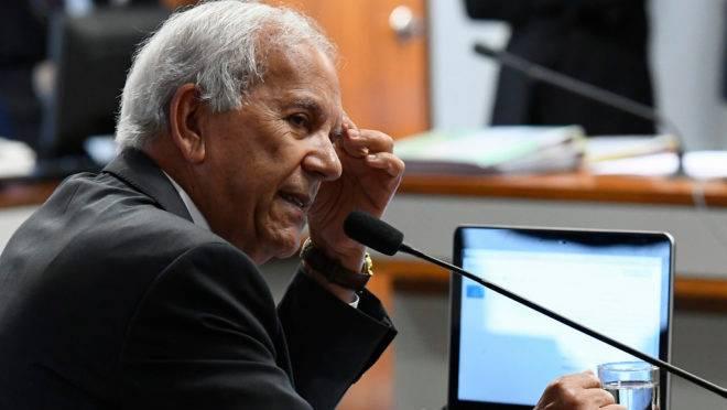 Senador Oriovisto Guimarães (Pode-PR) incorporou sete emendas de colegas ao texto da PEC Emergencial.