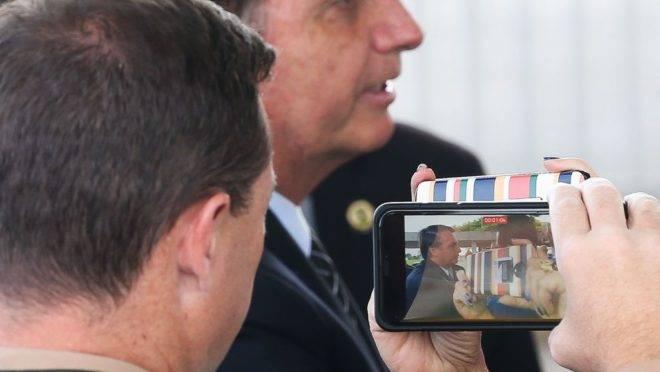 Presidente Jair Bolsonaro acenou ao contraparte argentino, Alberto Fernández, convidando-o a visitar o Brasil.