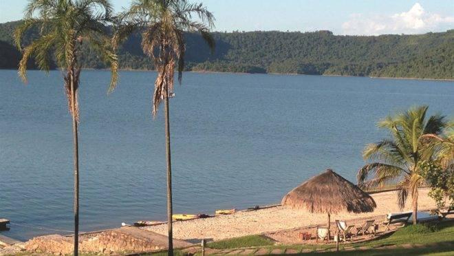 Praia artificial em Ribeirão Claro, interior do Paraná