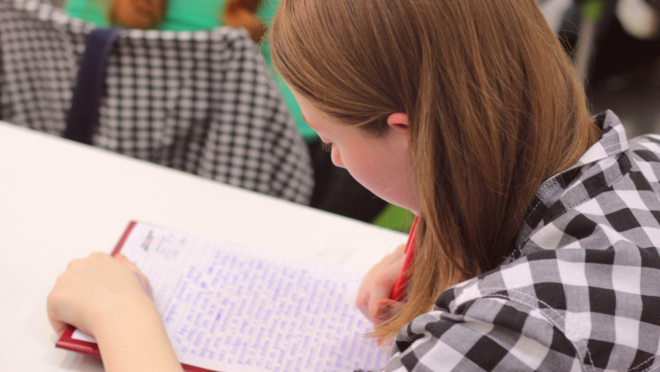 A reprovação na escola é um momento muito difícil para os pais, porque gera um forte sentimento de fracasso.