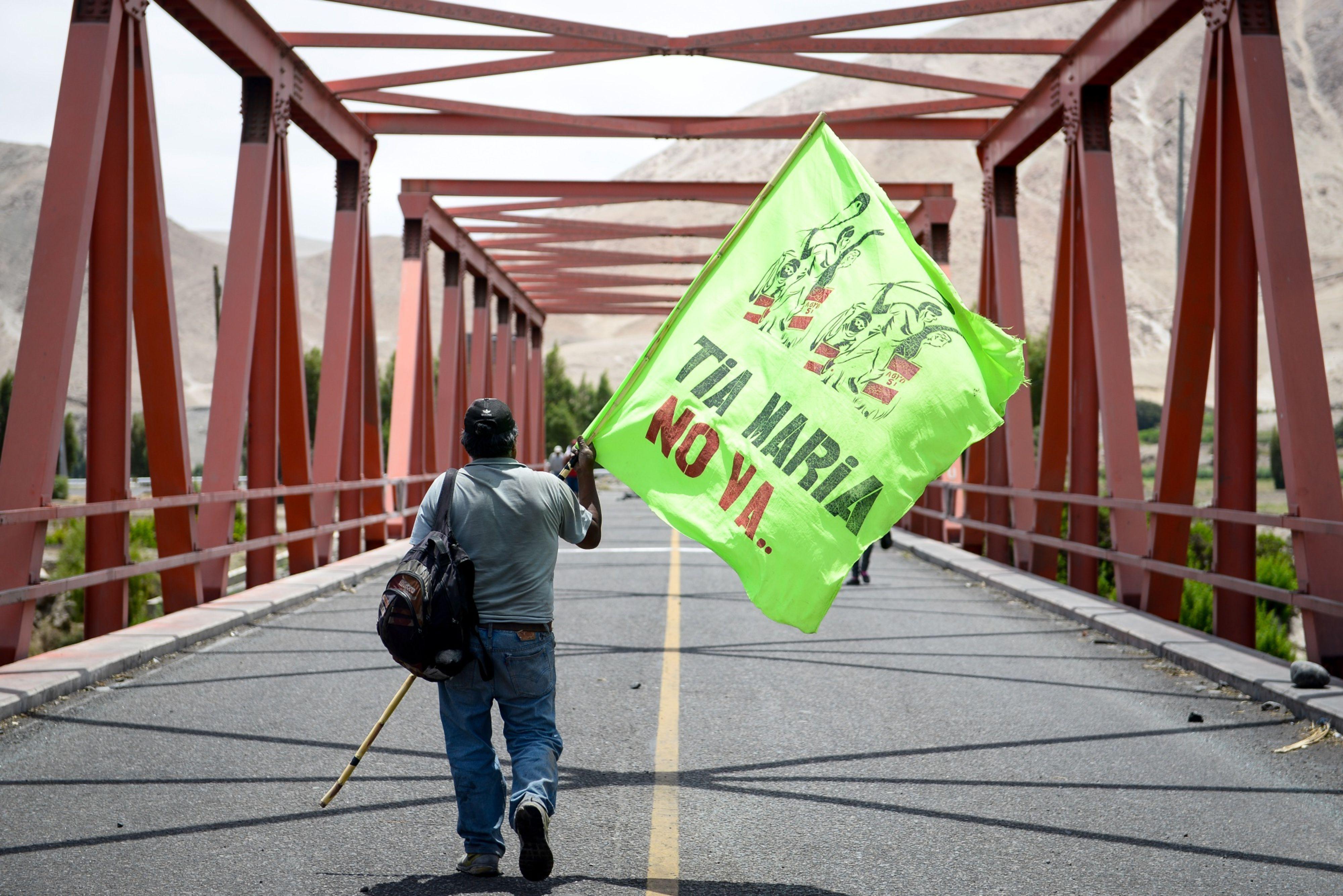Juan Galdos Quispe, porta-voz dos protestos contra o projeto de mineração Tia Maria, em Arequipa, Peru | Foto: Miguel Yovera/Bloomberg