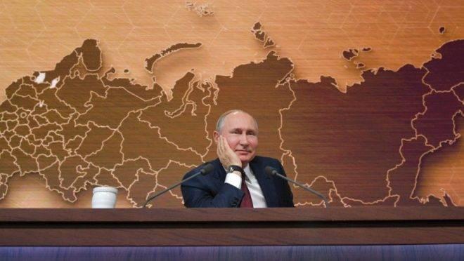O presidente da Rússia, Vladimir Putin, fala em coletiva de imprensa anual em Moscou, 19 de dezembro de 2019