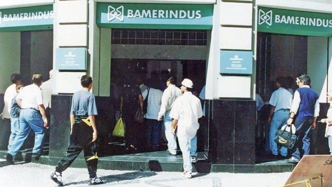 Antigo banco Bamerindus, em Curitiba