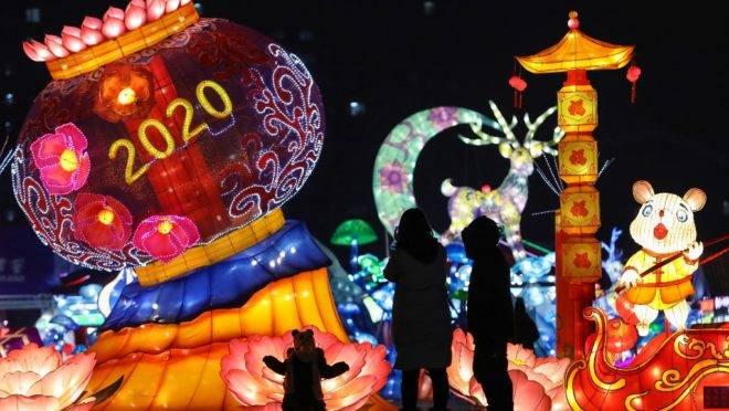 Exibição de lanternas em comemoração ao ano novo em Shenyang, China