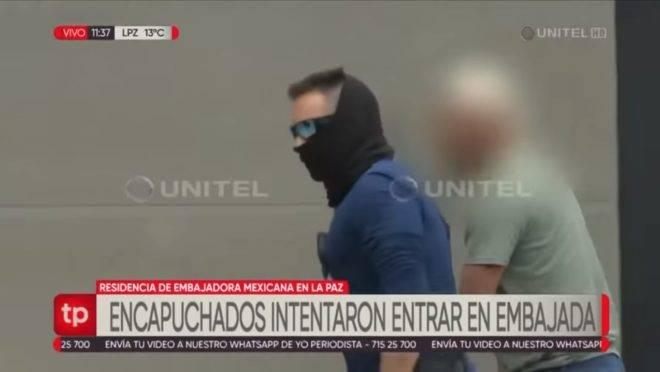 Encapuzados tentaram entrar na embaixada do México na Bolívia