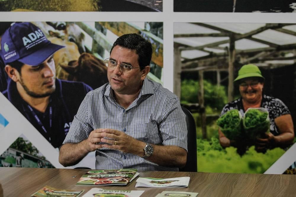 De acordo com o secretário de Produção Rural do Amazonas, Petrucio Júnior, foram identificadas 21 cadeias produtivas de grande potencial no estado, entre elas a do abacaxi e da banana. Foto: Rogério Machado/Gazeta do Povo